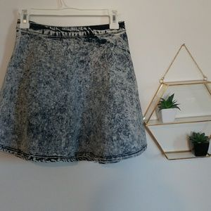 90's Acid wash jean skirt with exposed zipper